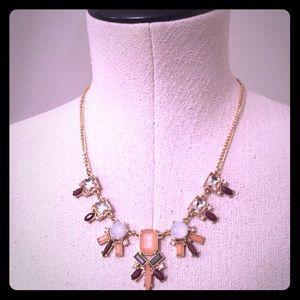 Jewelry - 💥 Statement necklace (free w/ $40+ purchase)